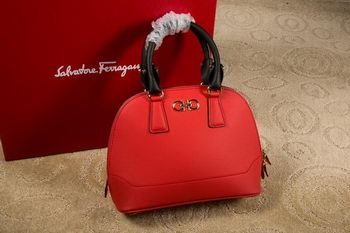 Ferragamo Medium Double Gancio Tote Bag 21E703 Red