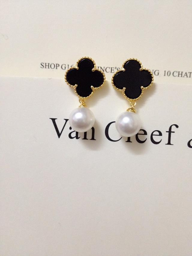 Van Cleef & Arpels Earrings V192034