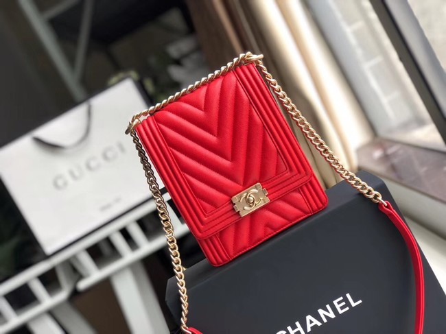 Boy chanel handbag Grained Calfskin & Gold-Tone Metal VS0130 red