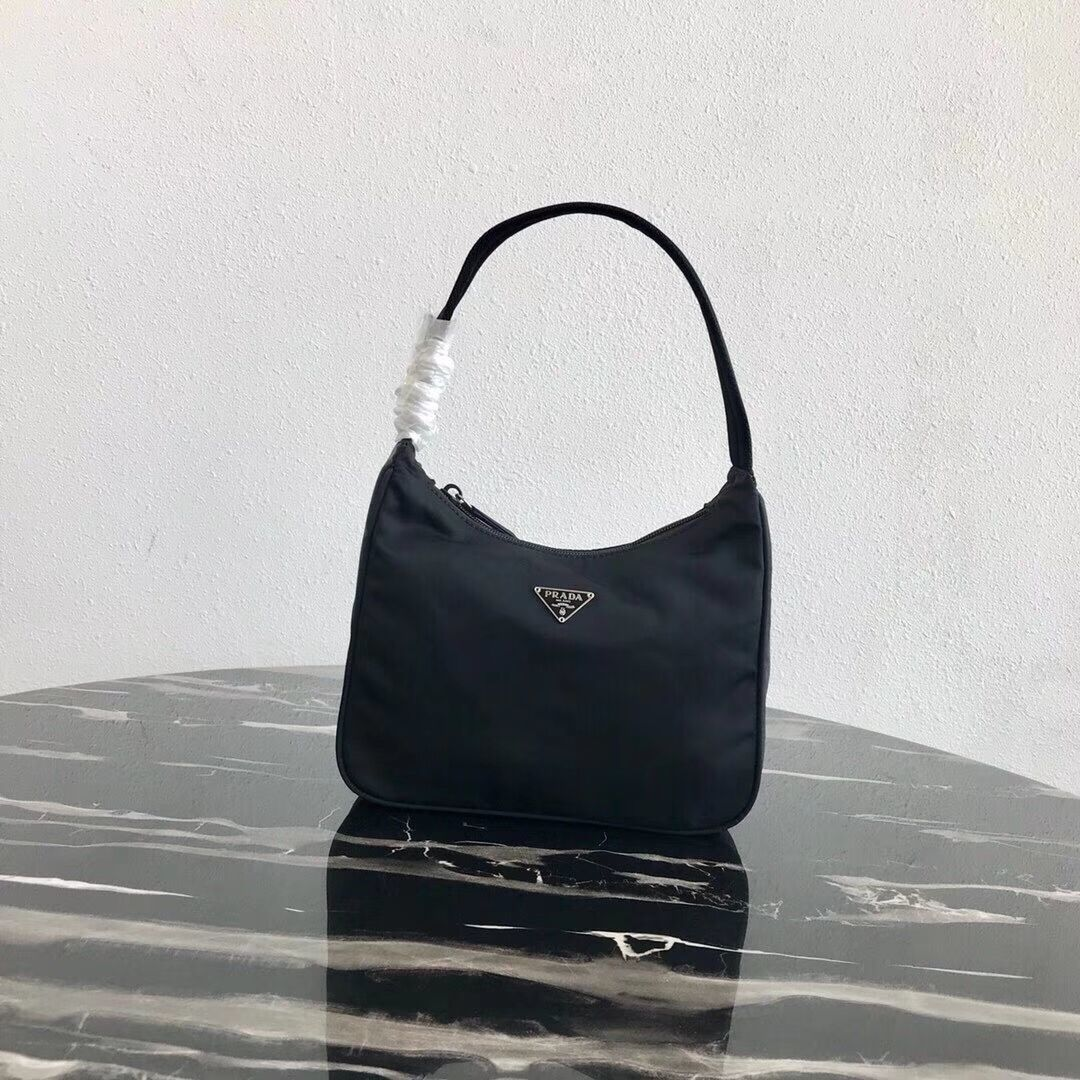 Prada Re-Edition nylon Tote bag MV519 black