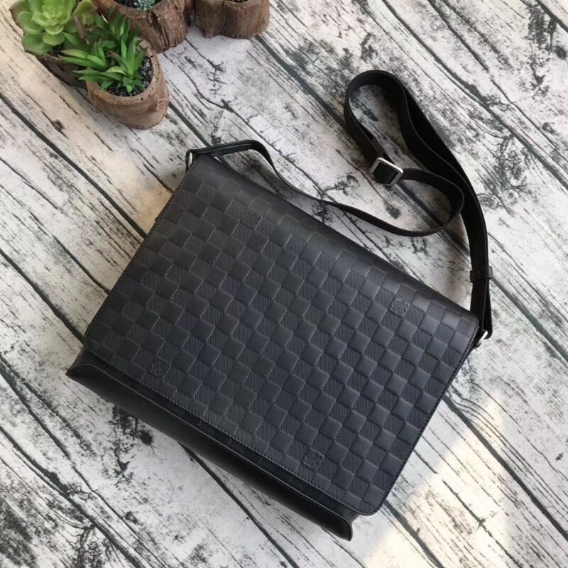 LOUIS VUITTON ORIGINAL LEATHER MESSENGER BAG N41038 N41035 BLACK