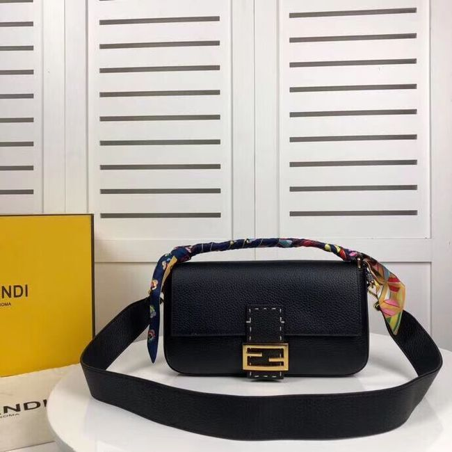 Fendi BAGUETTE leather bag F2466 black