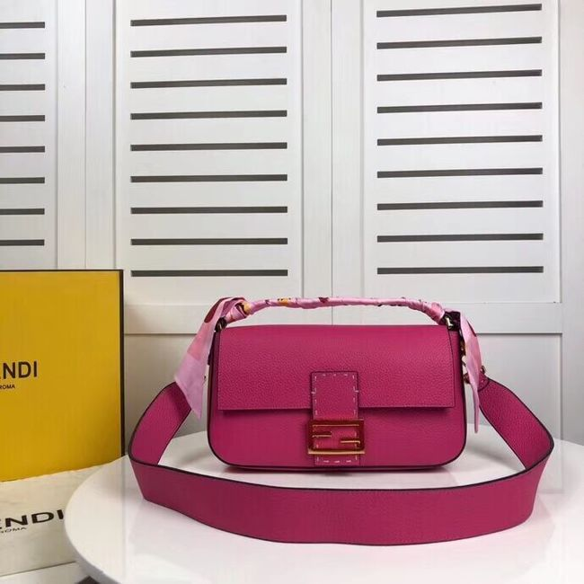 Fendi BAGUETTE leather bag F2466 rose