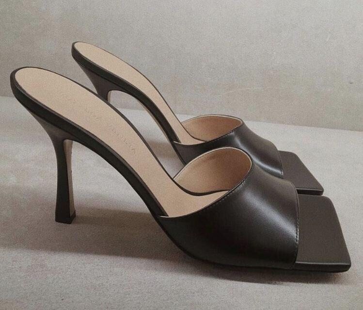 Bottega Veneta Shoes BV2046 Black